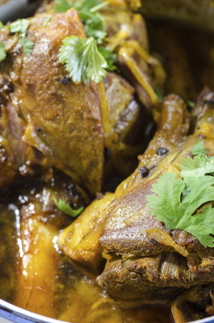 ... ://www.thedailymeal.com/roasted-leg-lamb-smokey-mustard-rosemary-ale