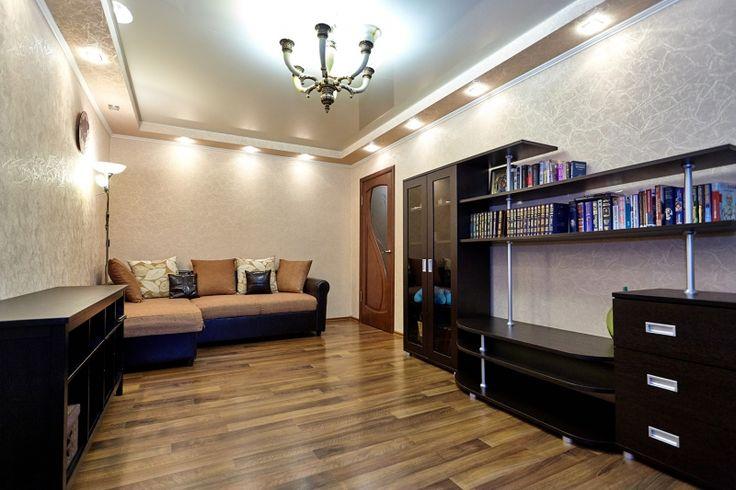 Cданные дома / 3-комн., Краснодар, Калинина, 3 500 000 http://krasnodar-invest.ru/vtorichka/3-komn/realty175960.html  Продаю 3 комн квартиру в ЮМР, ул. Калинина. Площадь 62/45/7, 4/5 бл. Отличный ремонт, встроенная кухня, мебель, бытовая техника остается. В каждой комнате сплит-система, двухуровневое освещение (точечные светильники и люстры), натяжные потолки. Окна на две стороны света, балкон застеклен, заменили счетчики. Зеленый район, в шаговой доступности несколько школ, садиков, КубГАУ…