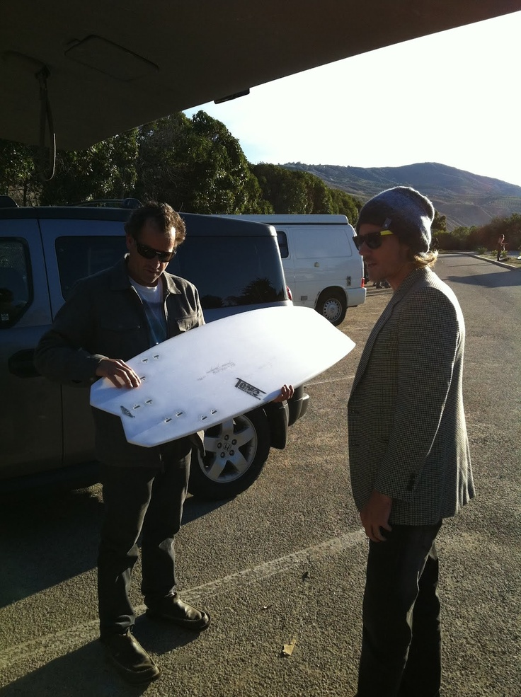 Tom Curren and Daniel Thomson (AKA Tomo) in the parking lot at Rincon.