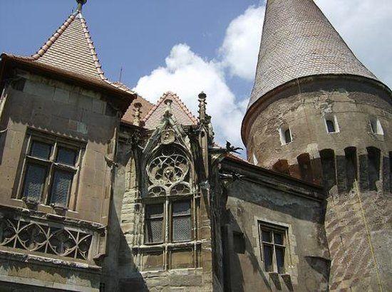 Muzeul Castelul Corvinilor, Hunedoara: See 496 reviews, articles, and 718 photos of Muzeul Castelul Corvinilor, ranked No.1 on TripAdvisor among 6 attractions in Hunedoara.