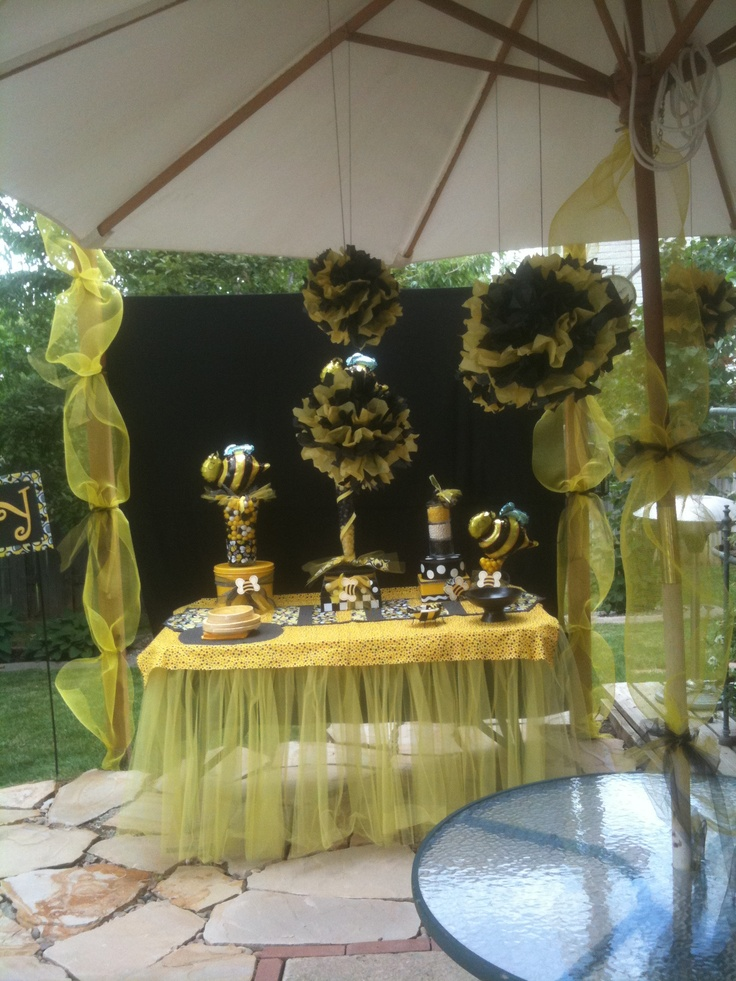 Babyshower Bumblebee DIY See More Buffet Table