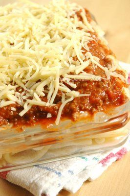 macaroni schotel ~ those cheese are dancing here and there @_@