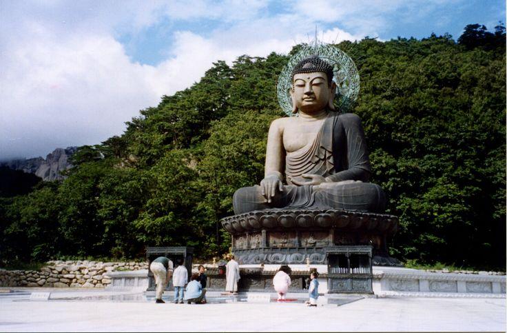 Buddha, Seoraksan, 2000