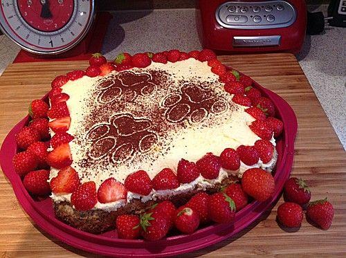 Illes super schneller Mohnkuchen ohne Boden mit Paradiescreme und Haselnusskrokant, ein sehr schönes Rezept aus der Kategorie Kuchen. Bewertungen: 206. Durchschnitt: Ø 4,5.