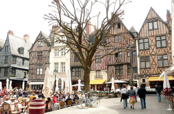 Place Plumereau, Tours, Centre 100 lieux magnifiques et incontournables en France à visiter absolument