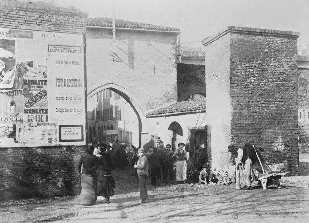 Bologna vintage oltre 10 idee scelte ad una ad una da - Porta san vitale bologna ...