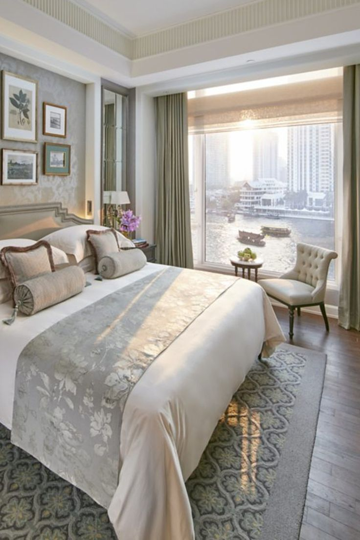 Guestroom views of Bangkok at Mandarin Oriental