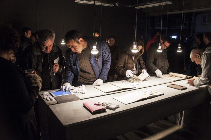 """Pg Art Gallery 15 Şubat – 14 Mart tarihleri arasında Funda Alkan, Ceyda Aykan, Kerem Ozan Bayraktar, Elsa Ers Brosh, Can Ertaş, Reysi Kamhi, Ayşecan Kurtay, Sinan Logie, Devran Mursaloğlu, Hale Güngör Oppenheimer, Yağız Özgen, Tunca Subaşı ve Ayşe Wilson'ın defterlerinin yer aldığı """"[ ]"""" sergisine ev sahipliği yapıyor. #artfulliving #sergi #exhibition #contemporaryart #pgartgallery #ppenheimer #yagizozgen #tuncasubası  #aysewilson"""