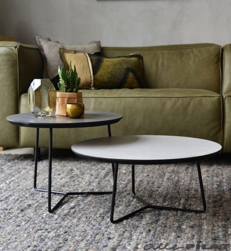 Ronde salontafel Roy met een grijs Beton Ciré blad - Woonwinkel Alle Pilat