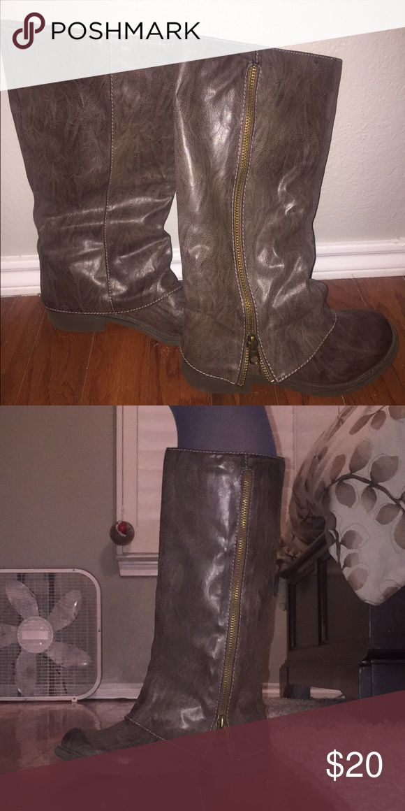 Big Buddha brown boots - size 8.5! Like new!!! Big Buddha brown boots - size 8.5! Like new!!! These have only been worn a handful of times. Great condition!! Big Buddha Shoes