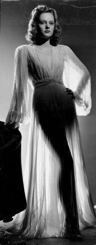 Fashion: Glamourous 40s - Lingerie, Sleepwear & Loungewear - amzn.to/2ieOApL Lingerie, Sleepwear & Loungewear - http://amzn.to/2ij6tqw