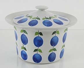 "Prunus by Gustavsberg. Stig Lindberg design. I want a china pattern called ""Prunus"". I can't stop saying it. Prunus."