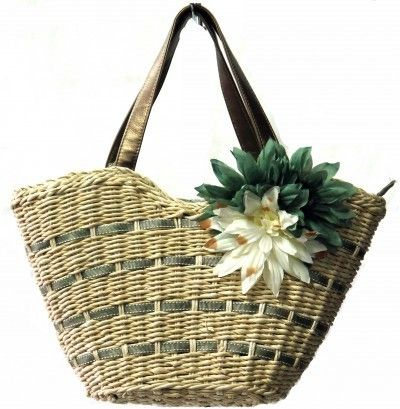 Natural Straw Beach Bag With Flower - The Handbag Hut - The latest handbag trends at prices you can't resist!