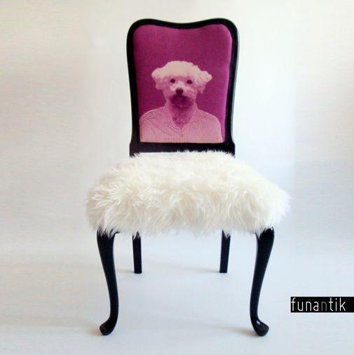 Hafman Originální, jedinečná, prostorná, bytelná starožitná židle Chippendale s autorským potiskem. Každý kus je originál, jedná se o autorský redesign krásné a velice zachovalé cca stoleté židle. Dřevěná konstrukce je naprosto funkční a vpořádku. Vše kompletně očištěno, nově očalouněno. Sedák je potažen luxusní imitací kožešiny (velice příjemná na ...