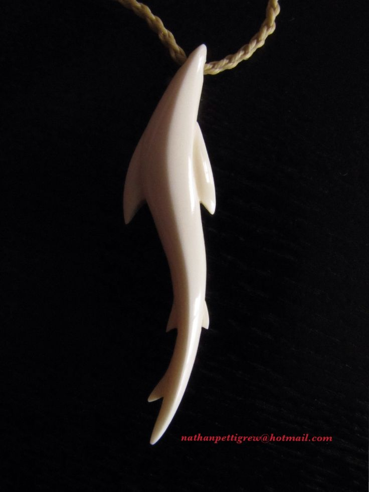 Nathan Pettigrew Carvings (NZ) A bronze whaler shark. Bone carving. Now in L.A, USA.