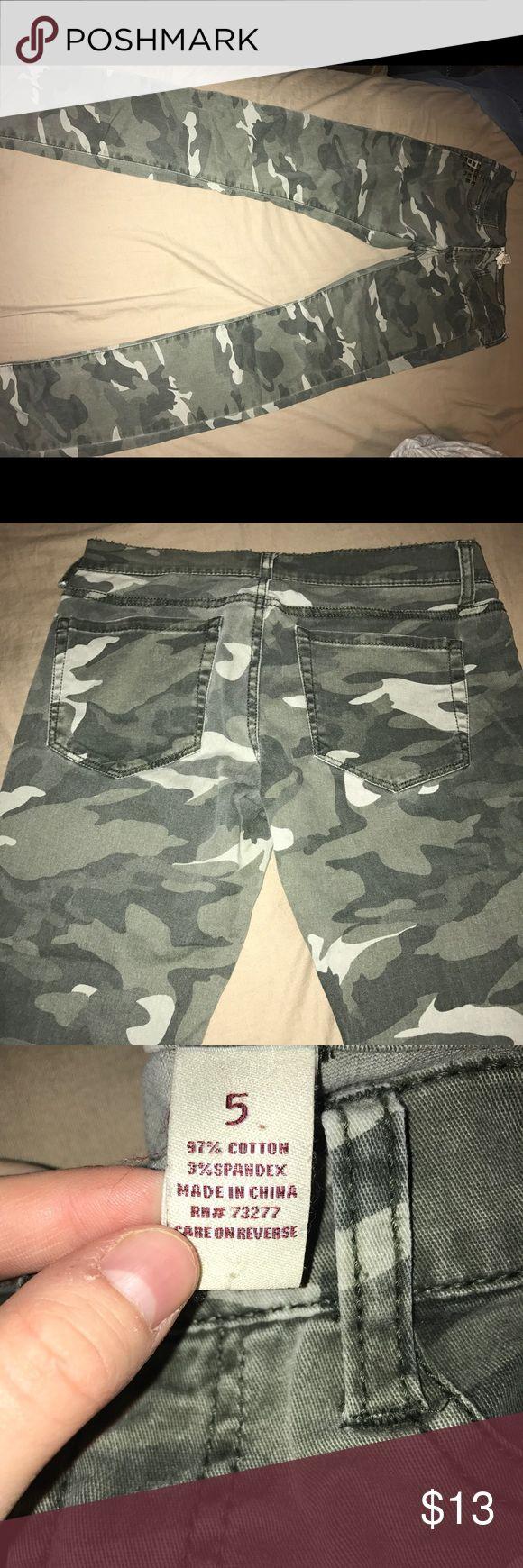 Camo skinny pants Camo skinny pants , wore once Pants Skinny