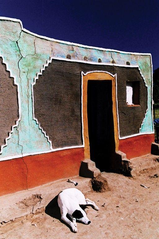 Lesotho: The Basotho women's art of house decoration: Litema