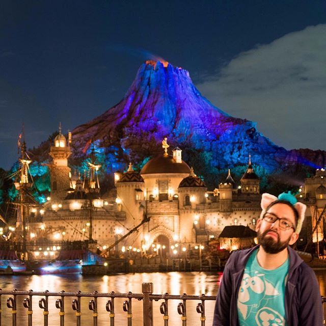 Don't want to have a sad face because you didn't plan enough for your trip to Tokyo Disney Resort? You spoke and I listened! Many Explorers want a Live Q&A Session during weekday evenings. I'll be doing a 15-minute session in the next few hours (times are below). Ask me your questions in the comments!  .  Friday January 26   11:00 JST - Tokyo  13:00 AEDT - Sydney Australia (Happy Australia Day!  )  02:00 GMT - London England   Thursday January 25   18:00 PST - Los Angeles   20:00 CST…
