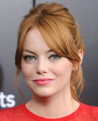 Emma+Stone's+Loose+Wavy+Ponytail With Center Parted Bangs / Fringe