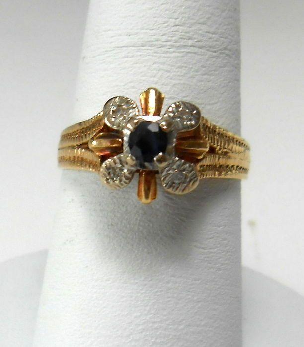 Nu in de #Catawiki veilingen: Oude geelgouden en platina ring met saffier en diamanten