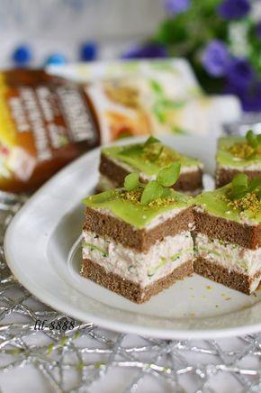 Мини-сэндвичи из черного хлеба и печени трески