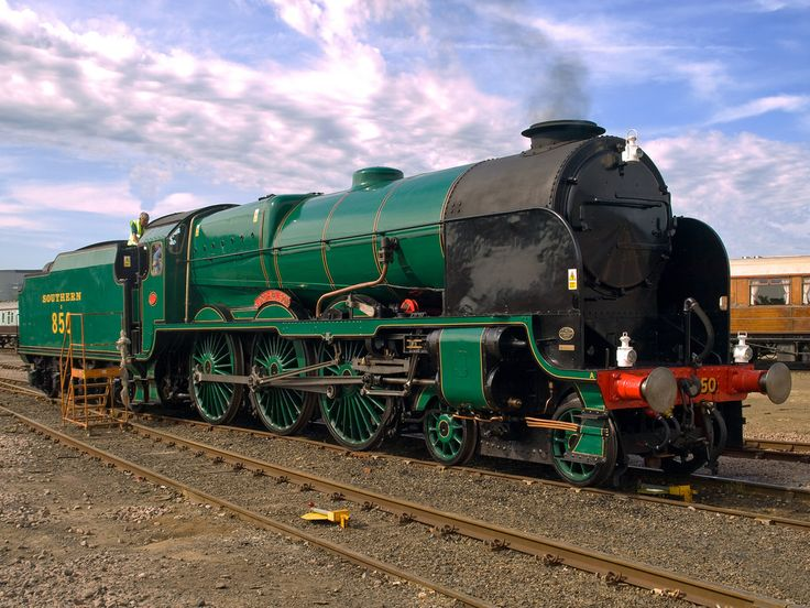 "Maunsell 4-6-0 No. 850 ""Lord Nelson"" at the Eastleigh Works open event."