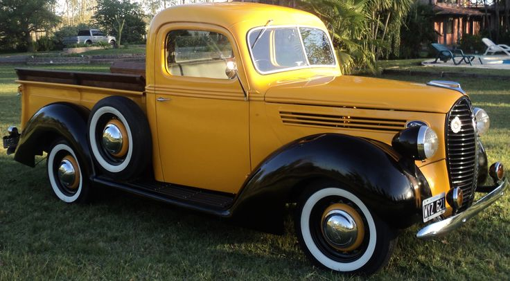Impecable Pick Up Ford - V8 - 85cv. Año 1938. Excelente estado de chapa, pintura, interior, todos los accesorios y detalles. Mecánica general impecable, en perfecto funcionamiento. Original. http://www.arcar.org/autosantiguos.aspx?qmo=1938