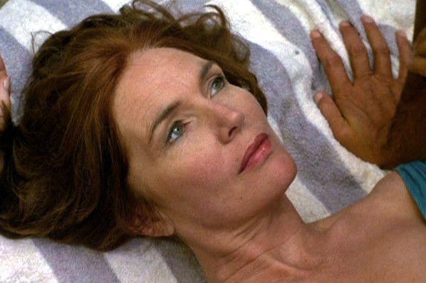 Remarquable actrice irlandaise, Fionnula Flanagan a fait carrière aux U.S.A. et connaît aujourd'hui un regain de popularité tout à fait surprenant, bien qu'amplement mérité. C'est elle ainsi, qui dominait la belle série « BROTHERHOOD » en jouant la matriarche...