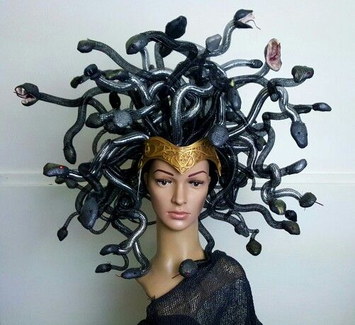 Medusa headpiece only weighs 2 lbs!