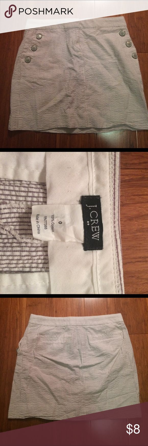 Adorable J crew skirt A very chic J crew skirt in excellent condition! No wear or tear! Size 0 it will be on the short side J. Crew Skirts Mini