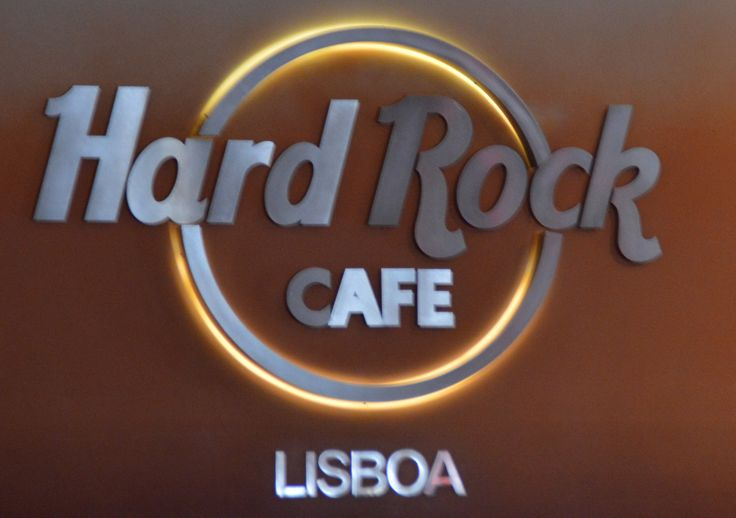 hard rock cafe om case The leading manufacturer of furniture for offices, hospitals, and classrooms our furniture is inspired by innovative research in workspace design.