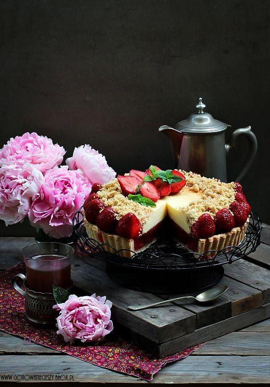 Strawberry cheesecake tart / Tarta sernikowo truskawkowa