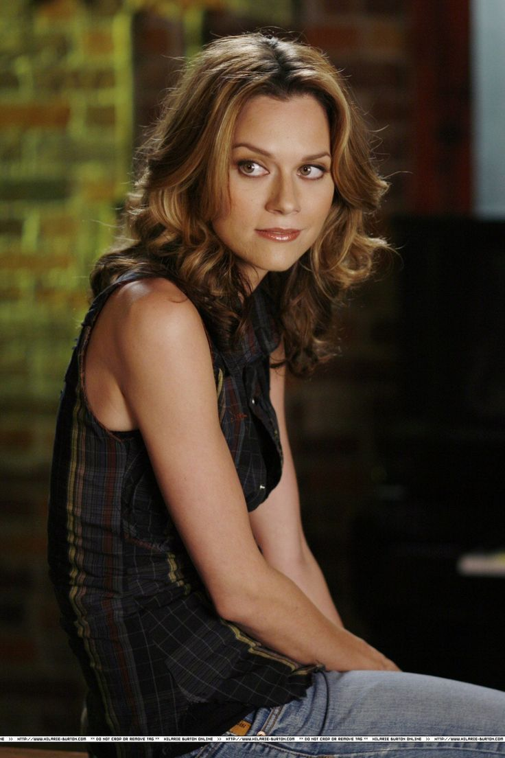 photos of hilarie burton