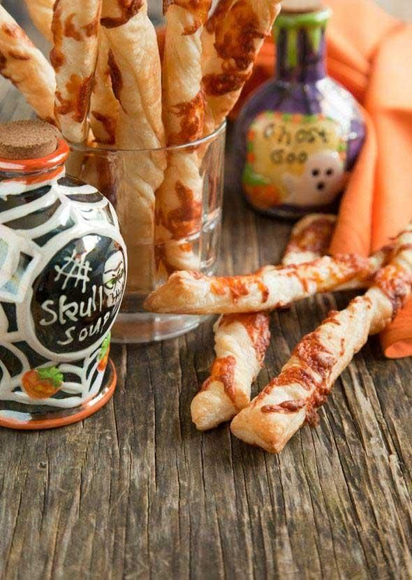 Halloween Recipes: Chilling Cheese Fingers