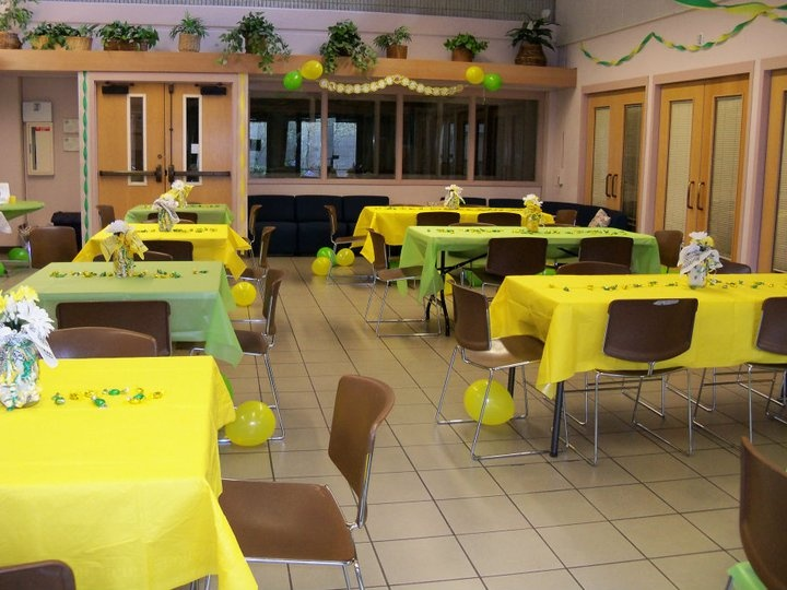 John Deere Baby Shower The Yellow And Green Table Cloths With The Confetti!  @Carisa