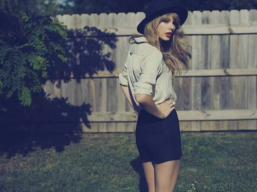 Taylor Swift's New Album Sells More Than 1.2 million Copies In Its First Week http://birch.ly/SW43u6