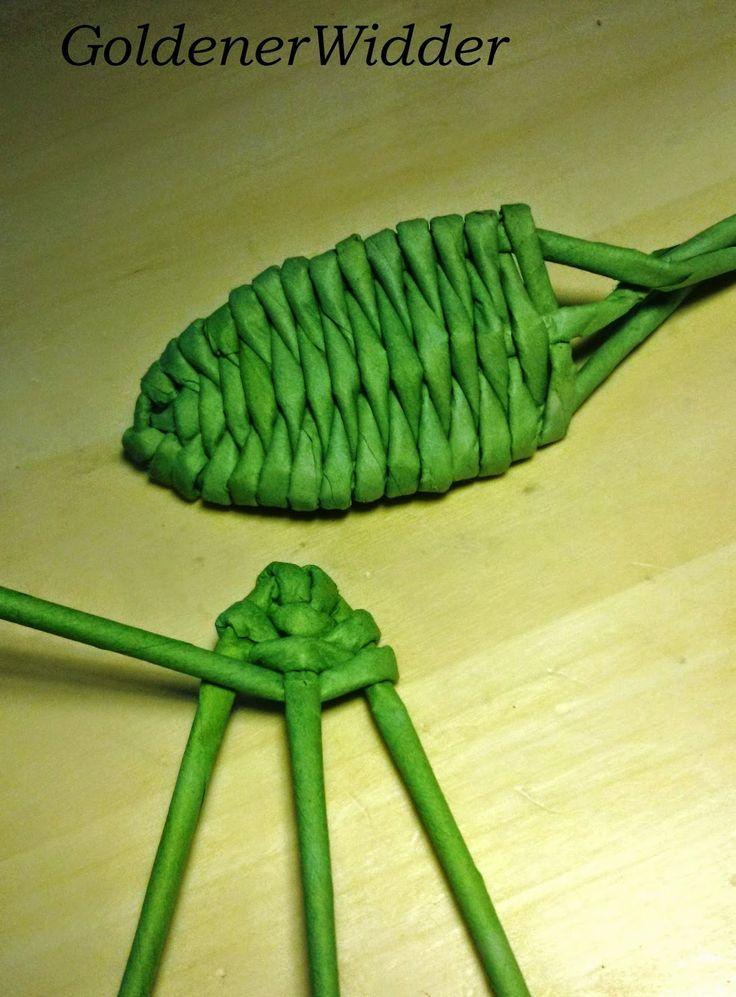 Плетение из газетных трубочек: Листик на трёх стоечках. Декоративный элемент. Крыло. Ситцевое плетение.