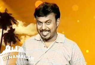 சின்னத்திரையிலிருந்து வெள்ளித்திரைக்கு வந்த காமெடியன் http://cinema.dinamalar.com/tamil-news/15040/cinema/Kollywood/Comedian-enters-movie-from-tv.htm