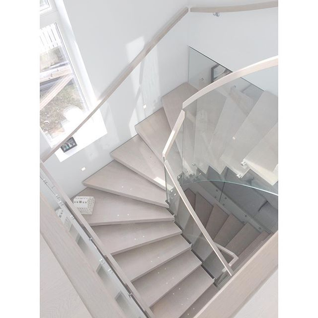Stairs ✨✨✨ #nordicinspiration #nordicdesign #nordiskehjem #trapperingen #villalille #villavangsnes #jorunn_ls #inspiremeinterior #inspiration #interior123 #interior4all #interior9508 #interior2you #interior_and_living #boligpluss #boligplussminstil #tuesdayinspiration #diy_guro #inspireustuesday #rom123 #passion4interior #skandinaviskehjem #hanneromhavaas150k #casachicks1 #kajastef #olivia_angelineinspo