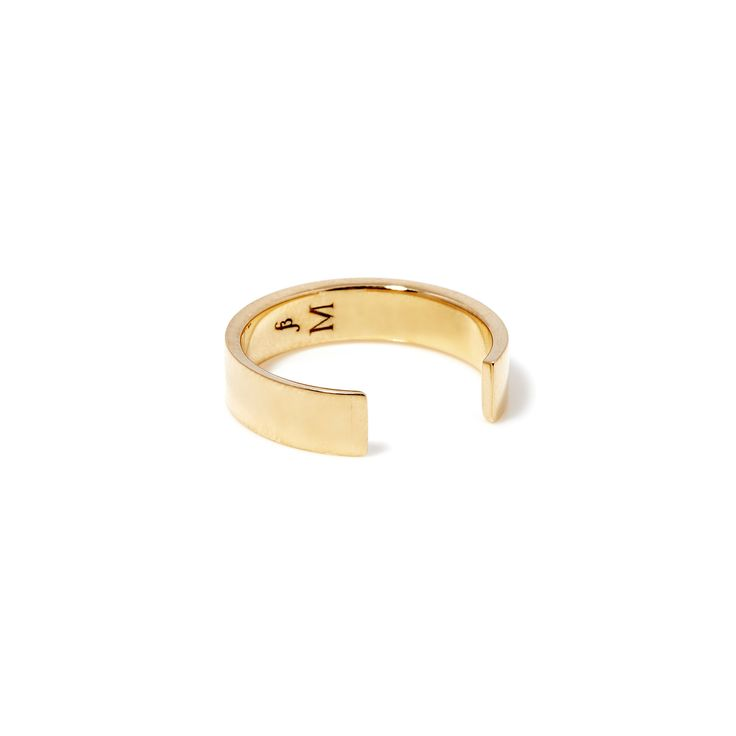 The Chamfer Ring by SARAH & SEBASTIAN is a band-style ring created in 9k gold featuring open detailing. Nickel free.