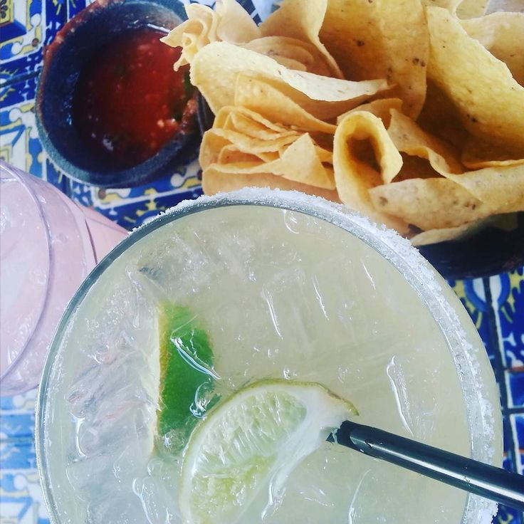 Happy #cinqodemayo from the patio of #lascasuelasterrazza! #findyouroasis #discoverpalmsprings @palmspringsoasis #familyfuntravel #margarita