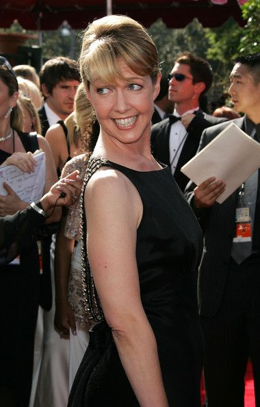 """Monica Horan (Amy from """"Everybody loves Raymond"""") arrives at the 57th Annual Emmy Awards-September 18, 2005"""