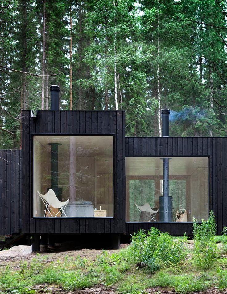 Auch eine schwarze Fassade kann gemütlich aussehen