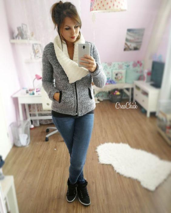 Crochet jacket for inside with inner pockets and a zipper. Free pattern.  Binnen jasje / vest haken met zakken die erin zitten en een ritssluiting. Gratis patroon.