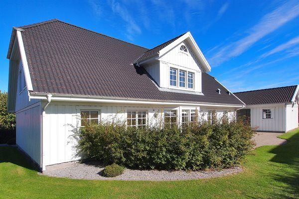 Das Ferienhaus verfügt über Internet, Whirlpool, Waschmaschine und bietet Platz für 10 Personen. Lesen Sie mehr über das Ferienhaus 80-0703 in Langø auf Lolland, Falster und Mön hier - Anreise: 06-08-2016, Abreise: 13-08-2016