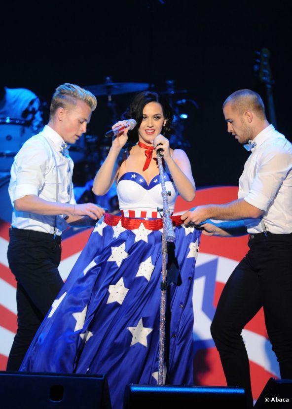 Katy Perry, capaz de convertir la bandera americana en toda una prenda provocativa