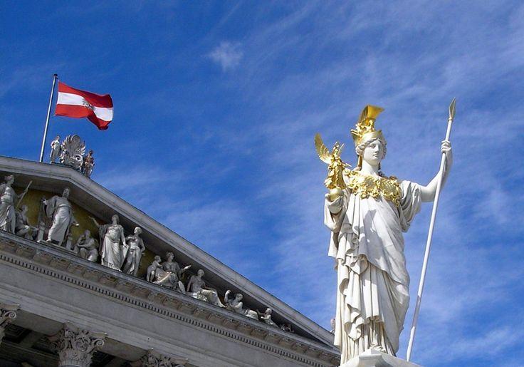 """""""Gravierende Rechtsverstöße"""": Österreich muss Bundespräsidentenwahl wiederholen - http://www.statusquo-news.de/gravierende-rechtsverstoesse-oesterreich-muss-bundespraesidentenwahl-wiederholen/"""