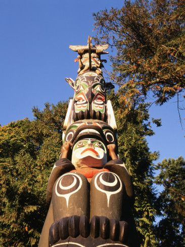 Native American  totem poles paintings | Native American Totem Pole in Stanley Park, Vancouver, British ...