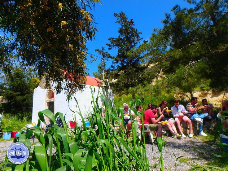 Kookvakanties in Griekenland:We bieden een vakantie aan op Kreta waarin u kookles krijgt. In 3 tot 8 dagen maakt u kennis met de wonderen van de Grieks keuken. We nemen u mee tijdens de inkopen en gaan met u naar diverse locaties, waar u leert koken in de Kretenzer bergen. Kijkt u op onze links
