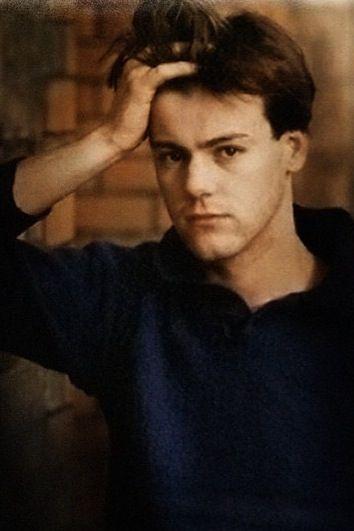 Rupert Graves. Young.